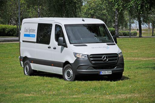 Mercedes Benz Sprinter >> Koeajossa Mercedes Benz Sprinter Nyt Myos Etuvetoisena